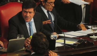Papelón de Mariotto: Se cayó la sesión por la Policía Municipal y quiere traer a Berni a desempatar