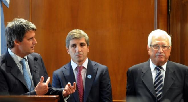 El ministro de Hacienda y Finanzas, Alfonso Prat Gay, durante la jura de sus funcionarios.