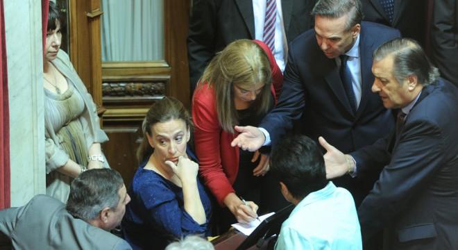 Resultado de imagen para gabriela michetti en el senado