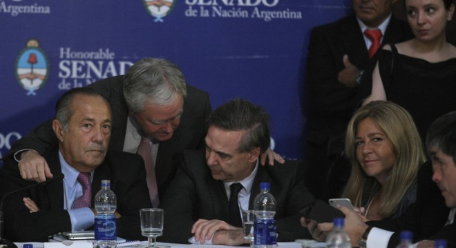 Quieren impedirle a Macri tomar deuda sin pasar por el Congreso
