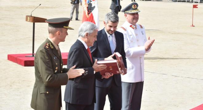 Peña con Piñera en Chile.