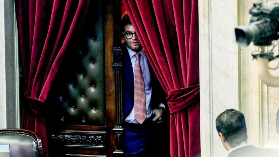 """Massot: """"Carrió ha extorsionado en muchas oportunidades a este Gobierno"""""""