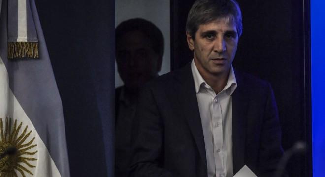 El ministro de Finanzas, Luis Caputo, en la conferencia de prensa de este martes.