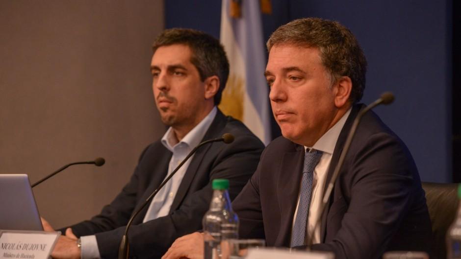 Economistas advierten que no se daría la recuperación que pronostica Dujovne