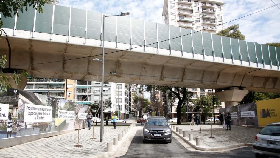 La Ciudad abrió al tránsito José Hernández y sólo queda la barrera de Olleros