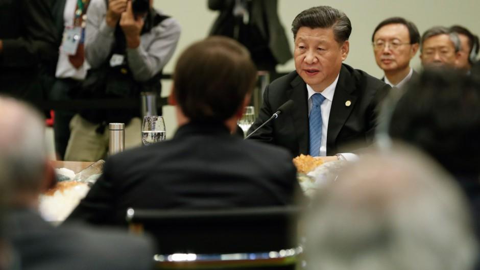 Bolsonaro junto a Xi Jinping, en una reciente visita del mandatario chino a Brasilia.