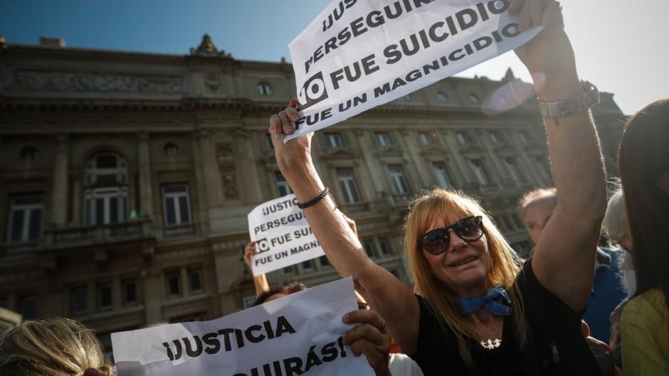 Macri lanza una ofensiva contra el gobierno con Nisman y el campo