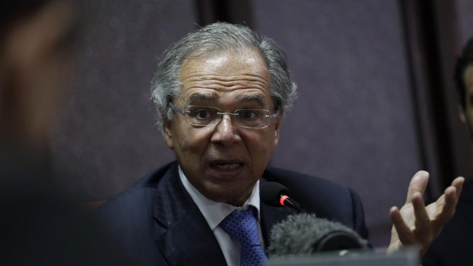 Un ministro de Bolsonaro advirtió que Brasil «puede terminar como Argentina si toma decisiones equivocadas»