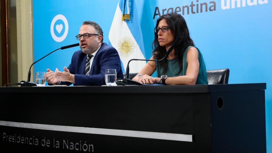 Kulfas reconoció que el FMI está preocupado por el congelamiento de tarifas