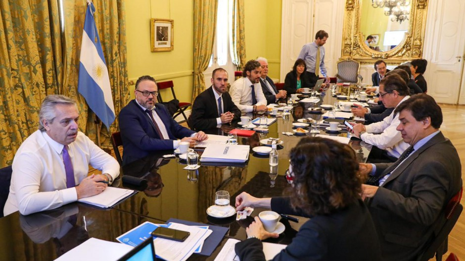 """Alberto confirma que aumentará la emisión: """"hoy lo más importante es la economía y no el déficit"""""""