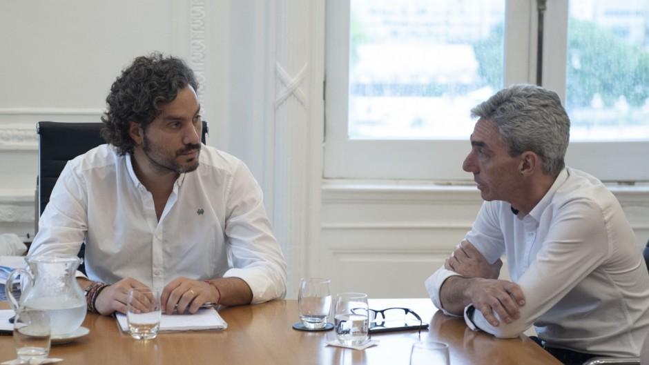 El jefe de Gabinete, Santiago Cafiero y el ministro de Transporte, Mario Meoni.