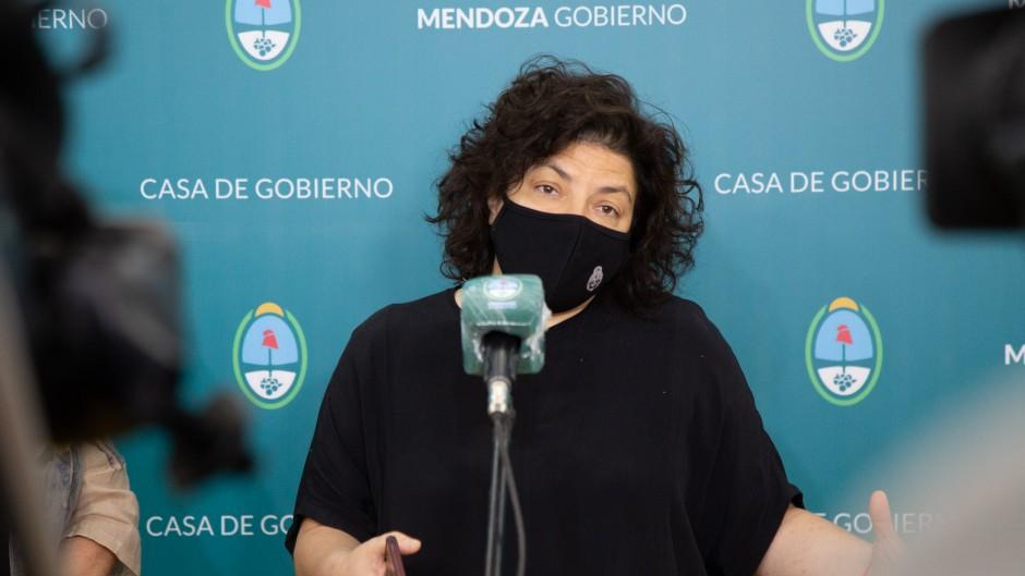 """Vizzotti: """"No funcionaba un vacunatorio VIP en el ministerio"""""""