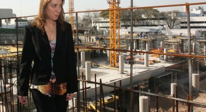 Vidal gasta 4 millones en centro cultural movil que no usan