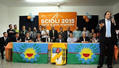 Scioli lanza una ofensiva en los distritos massistas