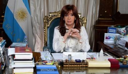 Cristina ahora dice que sancionará a los fiscales que prescriban causas por corrupción